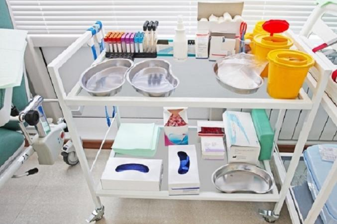 Reason Behind Using Stainless Steel Medical Cart at Healthcare Facilities in Medical Industry
