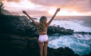 Perfect Ways to Get Beach Waves in Your Hair