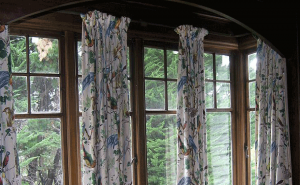 Bay Windows Design Look More Stunning If It Decor with Appropriate Drapes and Accessories