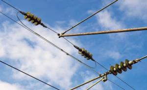 High-Voltage Insulator Maintenance: 5 Things You Should Know