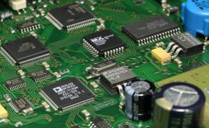 The Difference Between Through-hole Technology and Surface-mount Technology in PCB Assembly Line