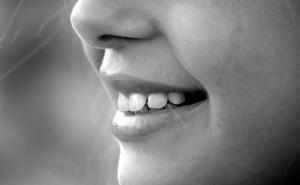 How to Remove Brown Stains from Teeth