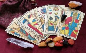 Everything You Need to Know about Tarot Reading